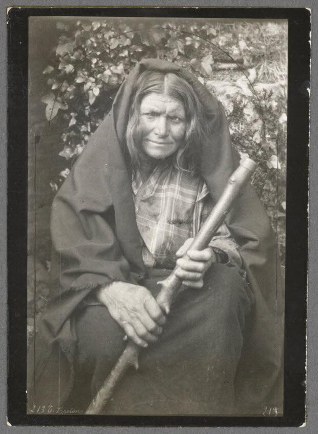 photographie - Naïa, la sorcière du vieux château