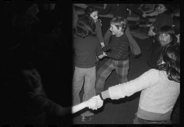 photographie - Danse d'enfants dans l'atelier