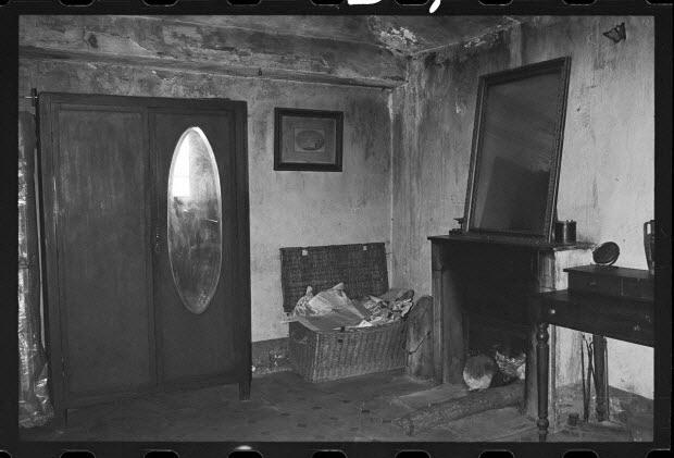 photographie - Arrangement de l'espace intérieur : vue de la salle-à-manger, la cuisine et la chambre