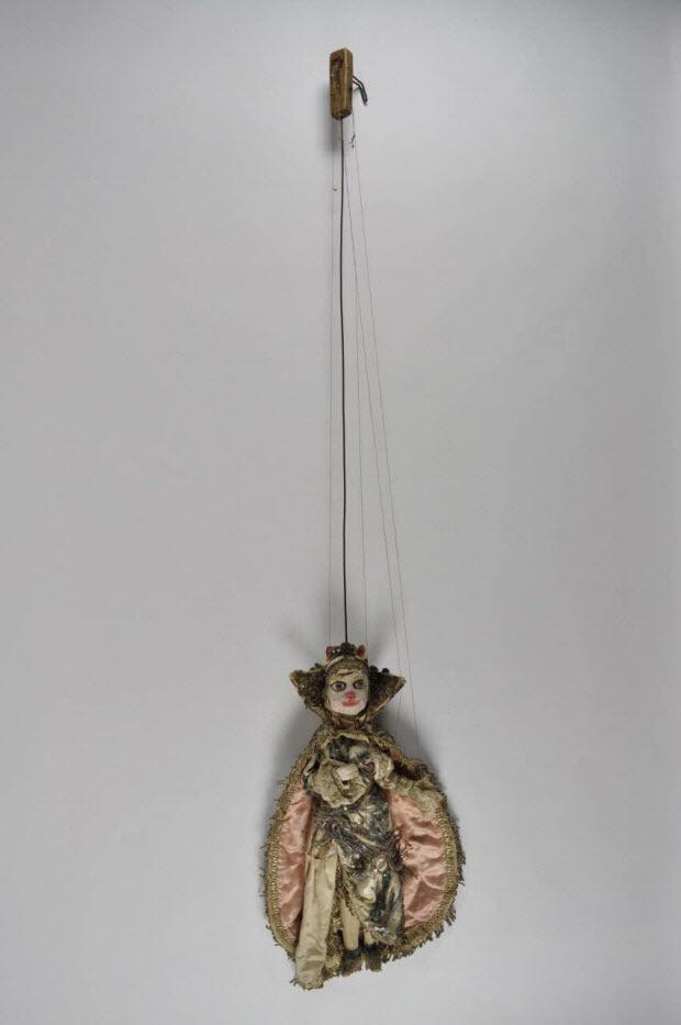 marionnette à tringle et à fils - La fée-chatte Miracronobis