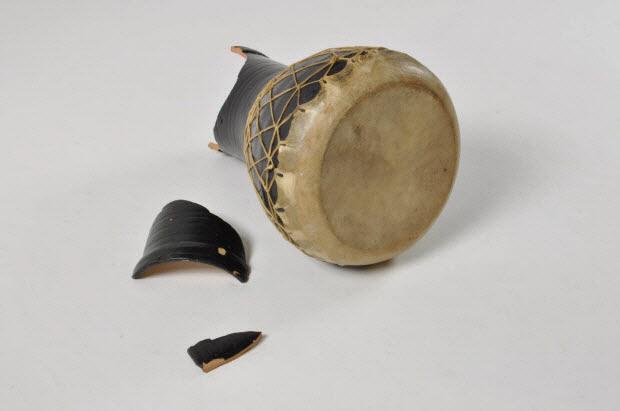 tambour à fût cylindrique à membrane unique - darbûka