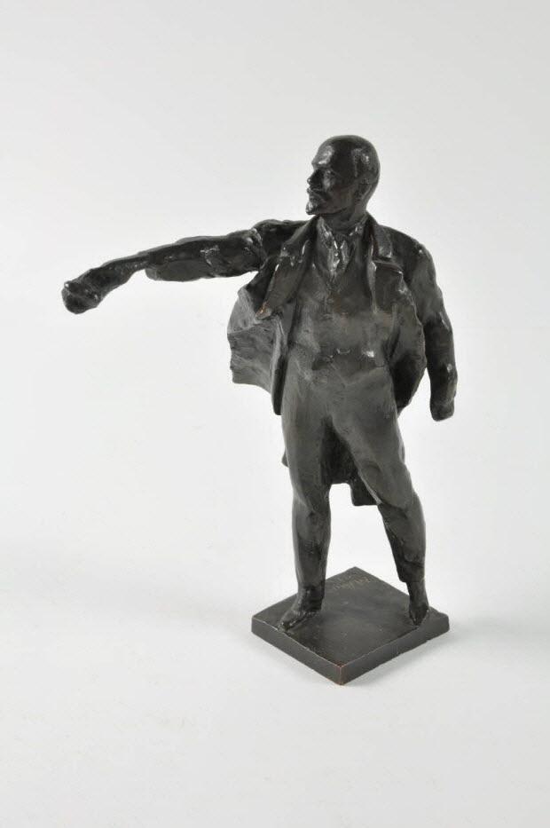 statuette - Lénine harangant la foule dans le vent par Anikuchine (1971)