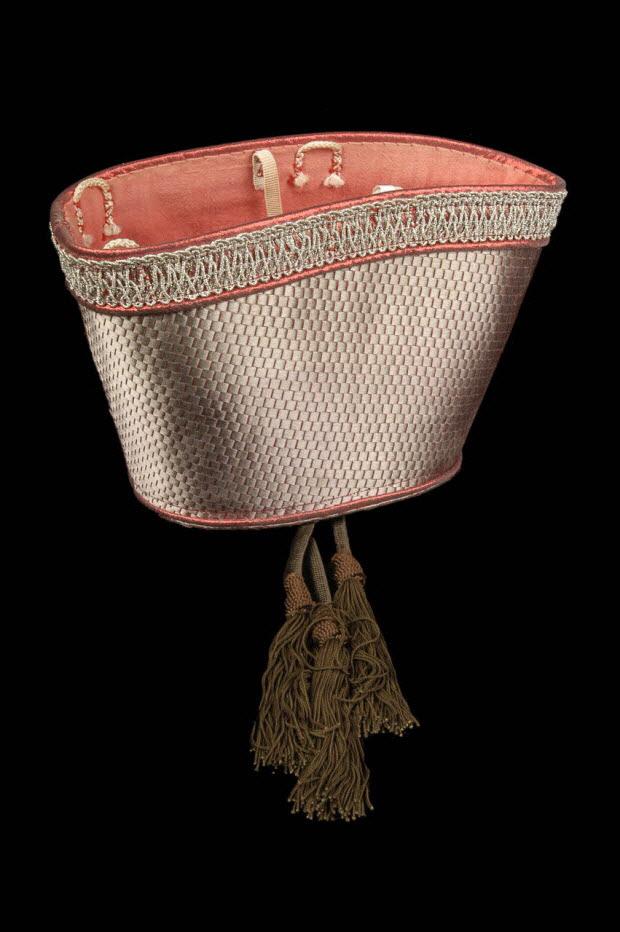 """chapeau - """"Cirque du docteur Paradi"""", spectacle """"Vesque - Le baiser de l'Auguste"""", Muriel"""