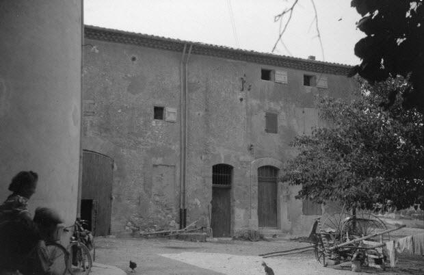 photographie - Chez Monsieur A. Rinaud. La grande bastide ferme