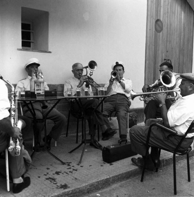 photographie - Répétition de musiciens de la fanfare alpine de Signe
