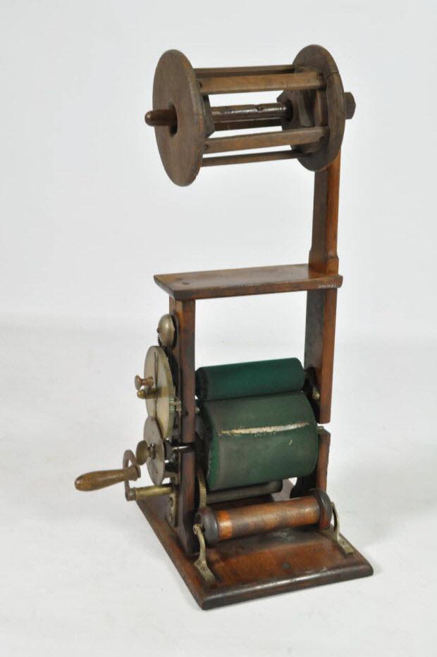 MACHINE A AULNER LE RUBAN