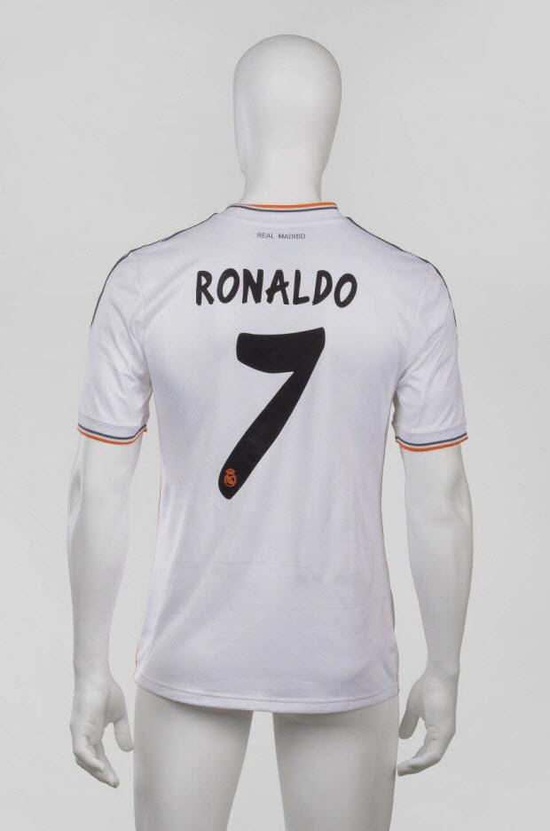 maillot de sport - Maillot porté par Cristiano Ronaldo avec le Real Madrid lors de la saison 2013/2014 de la Liga espagnole