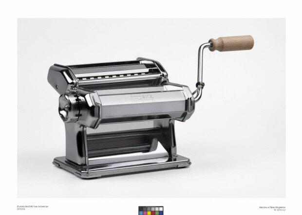 machine pour fabriquer les pâtes - sfogliatrice