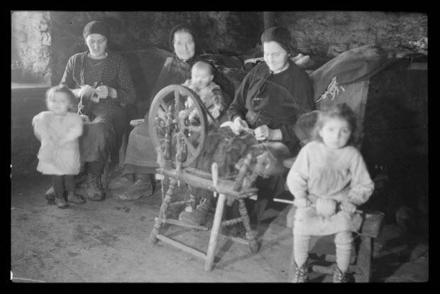 photographie - Famille Julien Eymard à la veillée