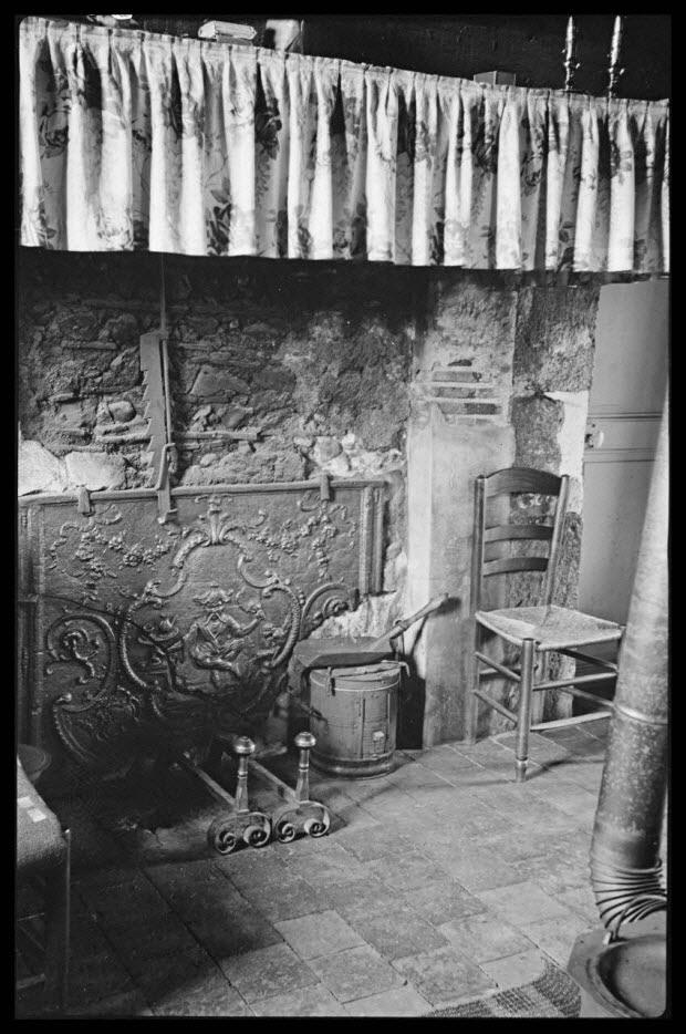 photographie - Maison de jardiniers, de Monsieur Henri Poullin. La cheminée