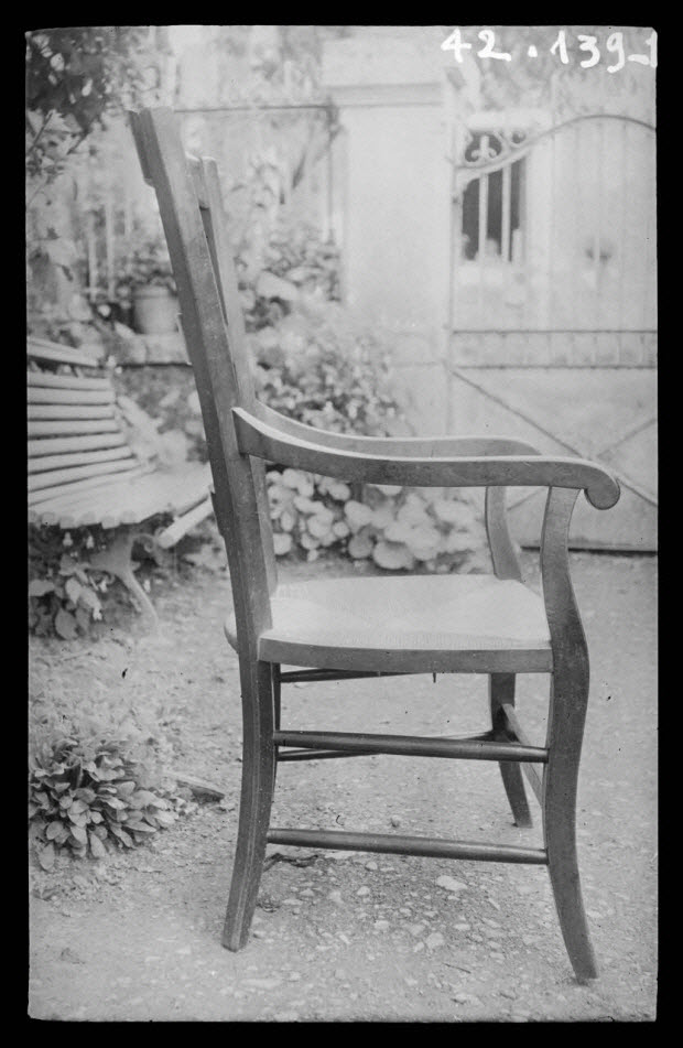 photographie - Chez Monsieur Séguin. Fauteuil