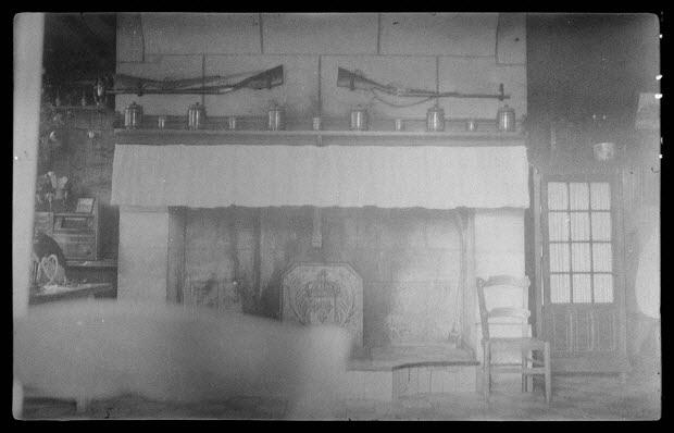 photographie - Ferme du Lieu-Dei. Chez Monsieur Verger (propriétaire). L'âtre de la salle