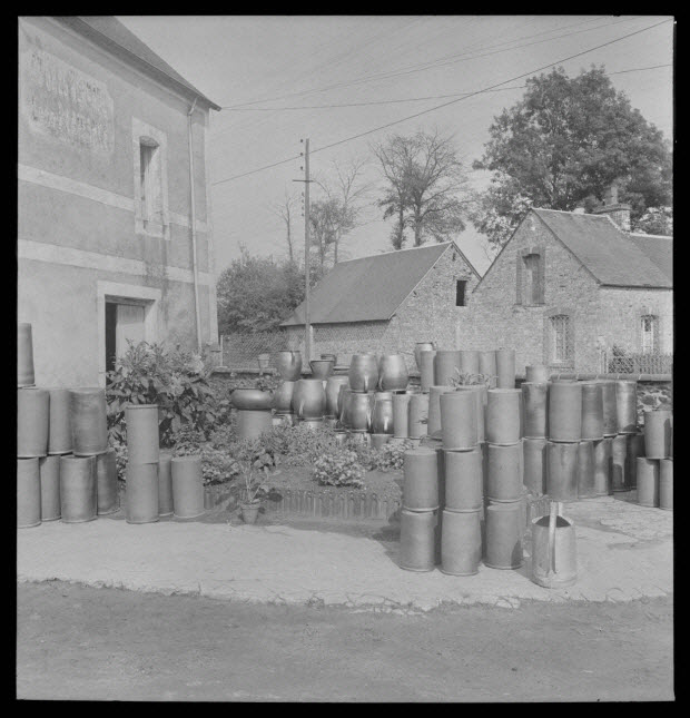 photographie - Entreprise de poterie Plaisance. Mabons et saloirs terminés