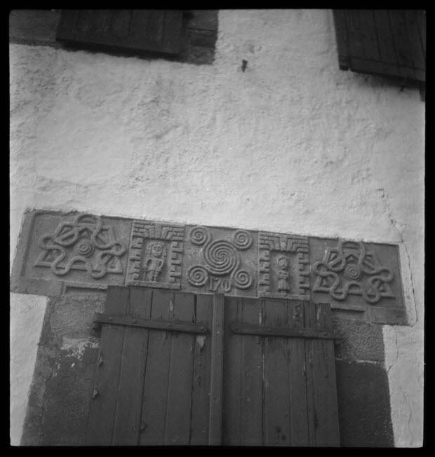 photographie - Linteau et inscription